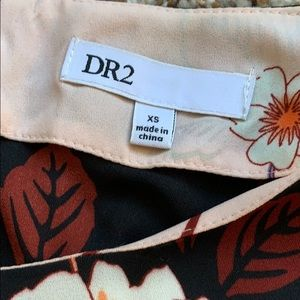 DR2 Tops - DR2 Blouse floral crew neck short sleeve